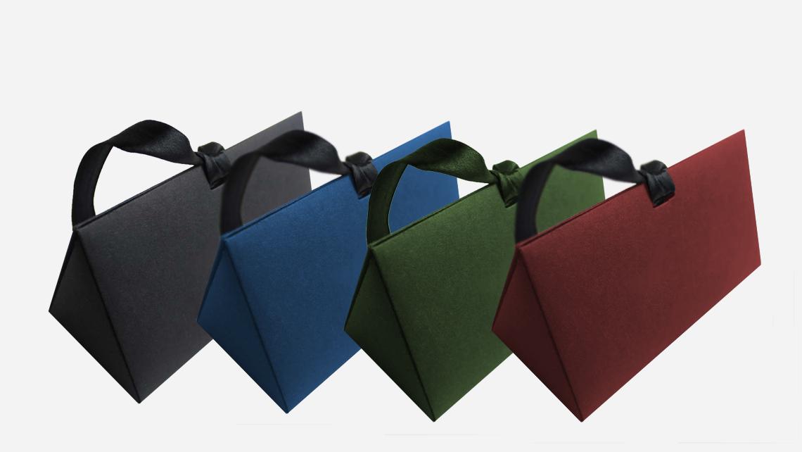 caixa formato triangular cores