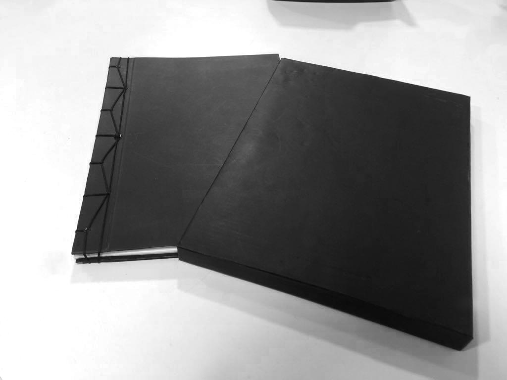 caixa e bloco com acabamento costura japonesa