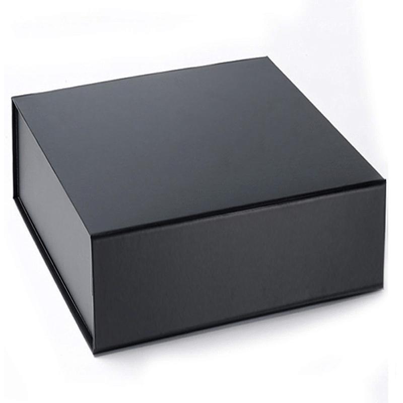 caixa preta com possibilidade de estampagem