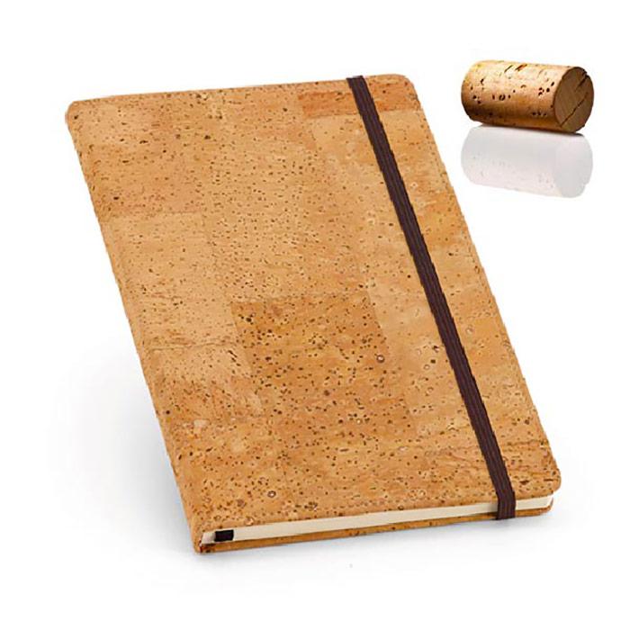 Bloco de nota em cortiça com 80 folhas lisas cor marfim. Fornecido em bolsa de oferta em non-woven. Bloco: 97 x 147 mm; Bolsa: 115 x 180 mm
